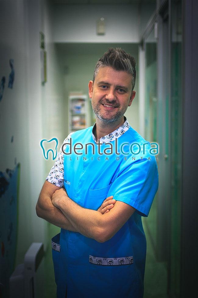 equipo odontólogos en Fuenlabrada dentalcora
